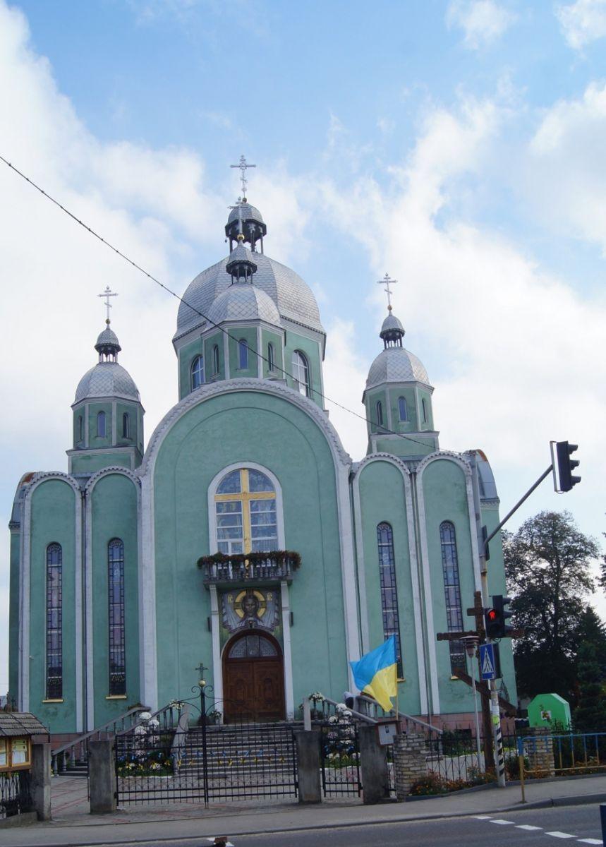 У храмі на Львівщині замироточила ікона (фото) фото 1