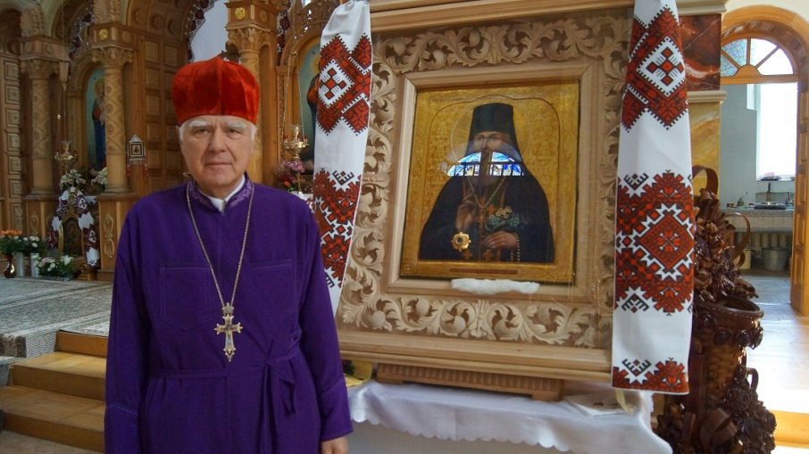 У храмі на Львівщині замироточила ікона (фото) фото