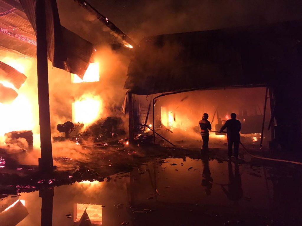 Згорів заживо: На Закарпатті у пожежі загинув чоловік (ФОТО)
